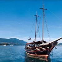 Passeio panorâmico de barco pela Baía de Guanabara