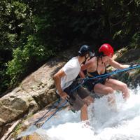 Rapel na Cachoeira - Cascading
