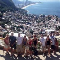 Morro Dois Irmãos e Favela do Vidigal com transfer