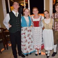 Noite alemã com show folclórico em Nova Petrópolis